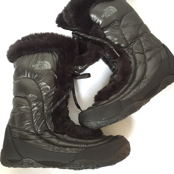 a66723d02 North Face Women's Goose Down Nuptse Snow Boots 9